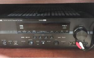 Système de son Bose Acoustimas avec amplificateur Yamaha Rx-V863