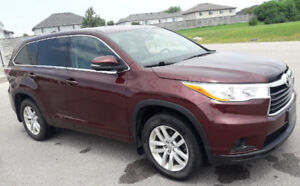 2015 Toyota Highlander V6, 8 Passenger, Rear view camera