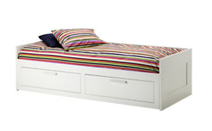 Daybed frame with 2 drawers