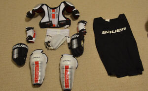Bauer Supreme Pro Youth Kit Size M ht 3'3-4'1, fits 3-5yrs London Ontario image 1