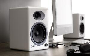 Audioengine A5+ Powered Bookshelf Speakers - Glossy White