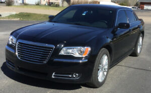 2014 Chrysler 300 AWD Low Kms Mint Condition