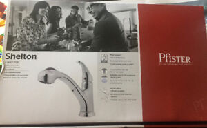 Kitchen Faucet - Chrome, Pull-out stream and spray - almost new