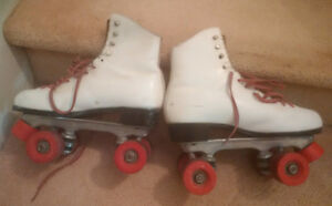 Ladies Size 9 Dominion Quad Roller Skates