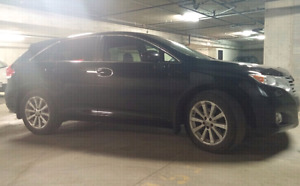 2010 Toyota Venza ( Only 67000km) Perfect condition