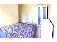 Double room in kings cross available now