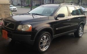 2004 Volvo XC90 with Navigation, 6-cyl, AWD, 7 seats