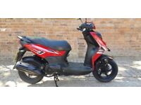 SYM CROX 125 4 STROKE SCOOTER HPI CLEAR BRAND NEW TYRES