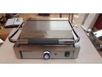 contact grill 2200w