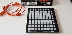 Novation Launchpad Mini - 64 multicoloured pads for triggering and controlling audio and lighting