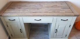 Solid oak office desk. Good as new