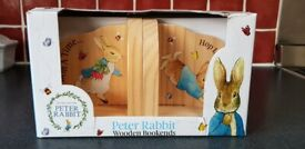 BRAND NEW & BOXED - Beatrix Potter Peter Rabbit Wooden Bookends