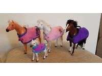 Pony Parade Bundle - 3 x Horse, 1 x Foal, Stable Block, Showjumping Jumps, Rider and Tack/Clothing