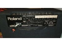 Yamaha Moxf 6 + Roland Kc880 +Roland sustain +Cable quick sale in good condition.