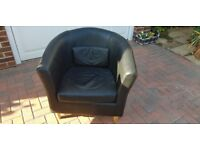STUNNING BLACK LEATHER BUCKET CHAIR - BARGAIN PRICE FOR QUICK SALE