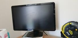 "Used Dell S2409W 24"" Widescreen LCD Monitor 1920 x 1080, 5ms Response Time - Piano Black"