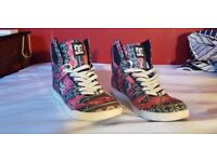 Womens trainers size 6 .5 DC pink blue hi top