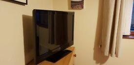 Bush 32 inch HD Ready LED TV with Google Chromecast-Like new