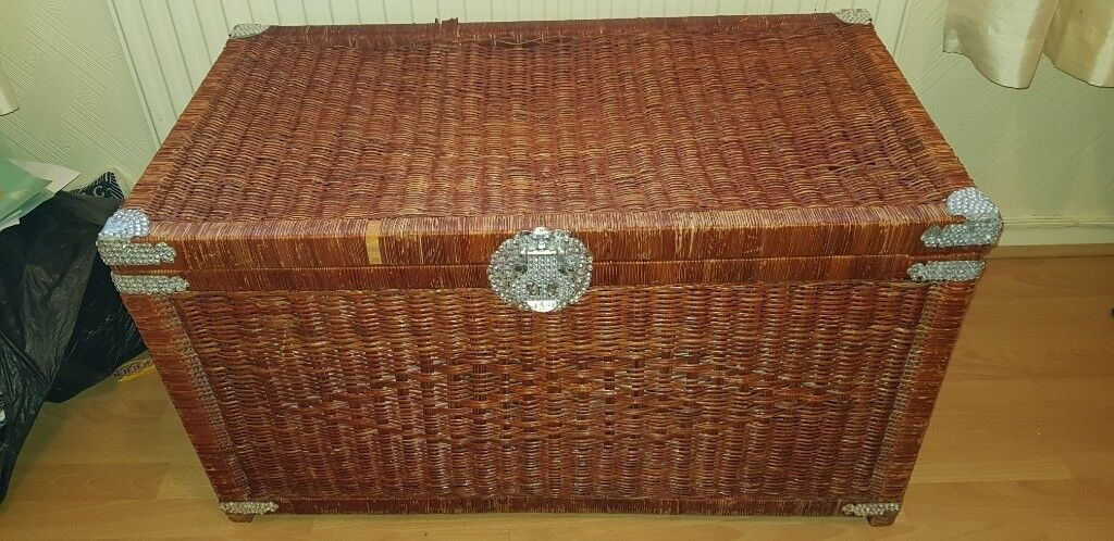 Awe Inspiring Large Wicker Storage Ottoman Trunk Basket In Penlan Swansea Gumtree Gmtry Best Dining Table And Chair Ideas Images Gmtryco