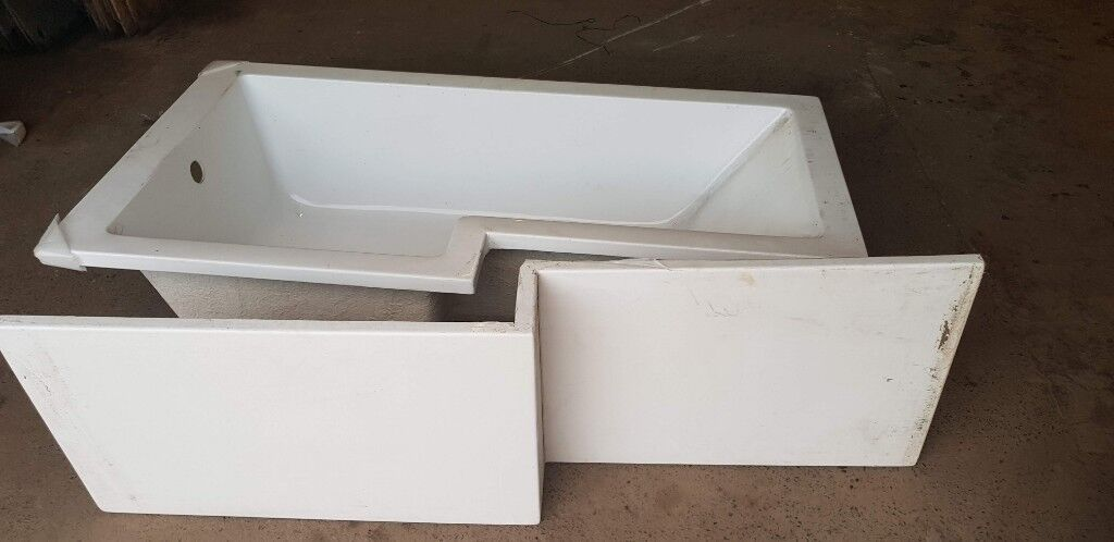 l-shaped square shower bathtub   in kirkcaldy, fife   gumtree