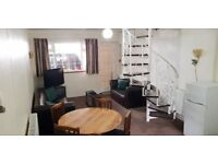 **SHORT STAY Fully Furnished 1 Bed Apartment near Heathrow. Perfect Heathrow Stop Over. From £350pw*