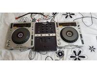 Pioneer CDJ's 800 MK2 + Numark X5 Mixer