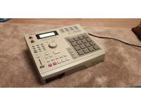MPC 2000 (music production center)