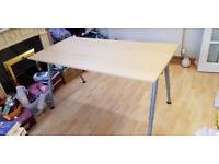 Thyeg pine desk