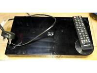 Samsung Blu-Ray 3D and 2D BD-F5500 with remote