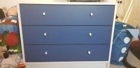 3 drawer dresser/chest of drawers
