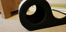 Hide & Scratch Curve - Cat Scratching Post and Bed, Brand New