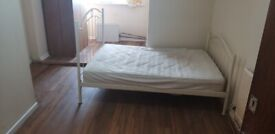 Large Double Room With Onsuite Shower/Toilet And ALL BILLS INCLUDED In Mitcham