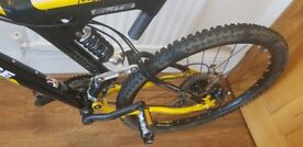 MONGOOSE ELITE PRO FULLY SUSPENSION MOUNTAIN BIKE IN MINT CONDITION.
