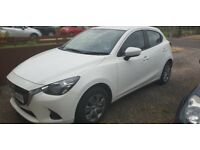 2016 White mazda 2. Full service history. excellent condition