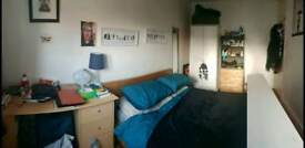 Spacious room available in Bethnal Green