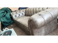£4500+ Gosford Leather Chesterfield 3-seat Sofa + 2 seat Snuggle Chair