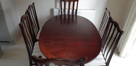Mahogany Extending Dining Room Table & Chairs