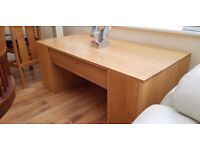 Oak coffee table with draw