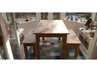 Oak dining table with 2 benches