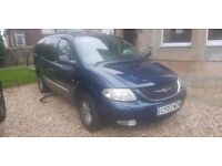 7 seater Chrysler Grand CRD limited Edition. Manual, fully electric