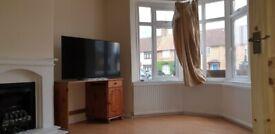 Fantastic 6 bedroom corner house located in HA8 Edgware Burntoak