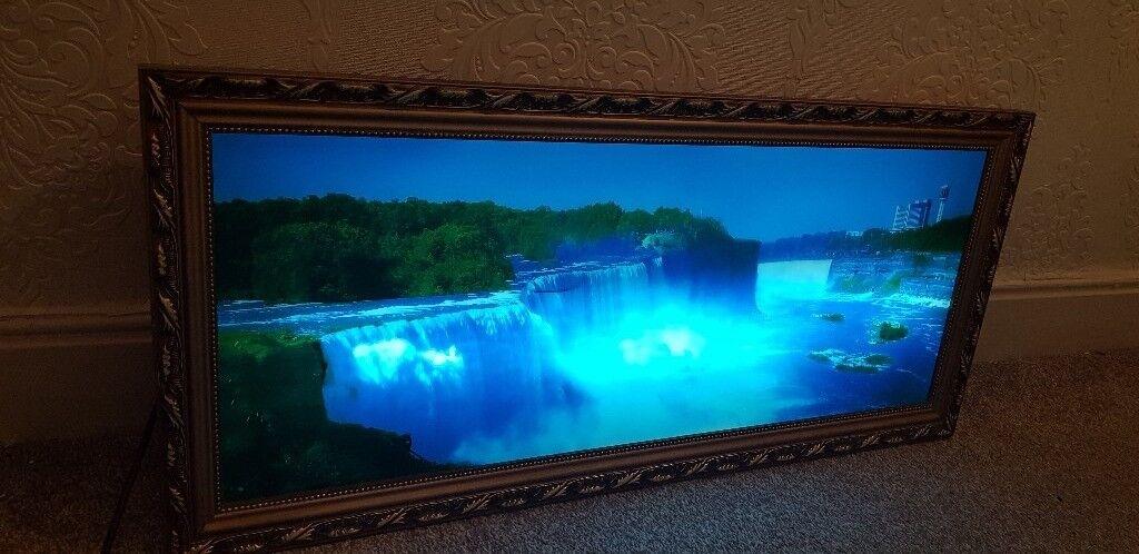 Schön Moving Waterfall Picture Frame Galerie - Badspiegel Rahmen ...