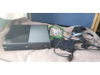 Xbox One 500GB Perfect condition, all cables, headset, controller + GTA 5 and Halo 5