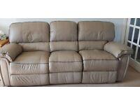 Three seater leathet sofa
