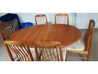 Teak extendable dining table + 6 chairs