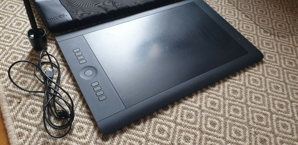 Wacom Intuos Pro Tablet Large (2016 Model) | in Sale, Manchester | Gumtree