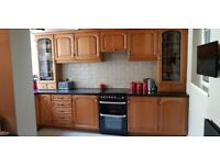 Kitchen units and slot in cooker