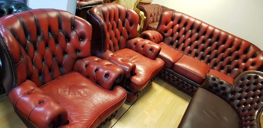 3 pieces high bage ox blood red lather Chesterfield . good condition .