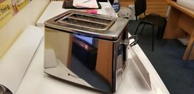 Hotpoint TT 22E UP0 2-Slice Toaster with 8 Browning Levels & Defrost Mode in Chrome (Ex-Display)