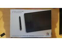Intuos pro wireless tablet (S) with all accessories